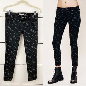 FREE PEOPLE Ditsy Floral Ankle Jeans Black Size 25